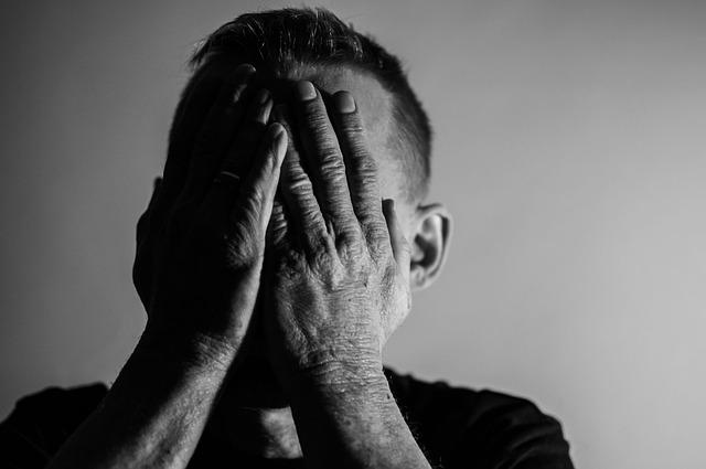 Hombre deprimido
