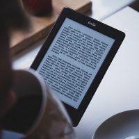 Leyendo un libro electrónico